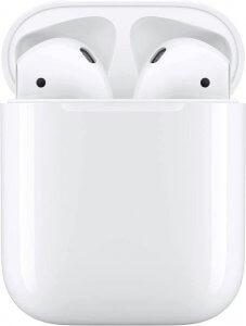 Un paio di Apple airpods nella custodia bianca di ricarica