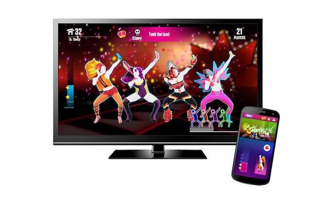 Uno smartphone ed una smart TV con Just Dance Now
