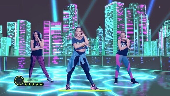 Screenshot del videogioco Zumba Burn it Up! che raffigura tre presenter che stanno facendo una coreografia